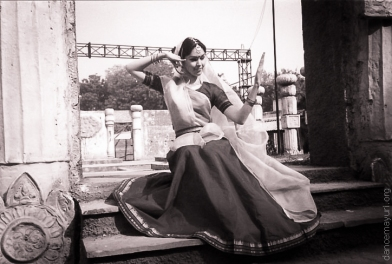 "Natalia Fridman in ""Kathak Kendra"" Dance Institution, Delhi, India, 1996"